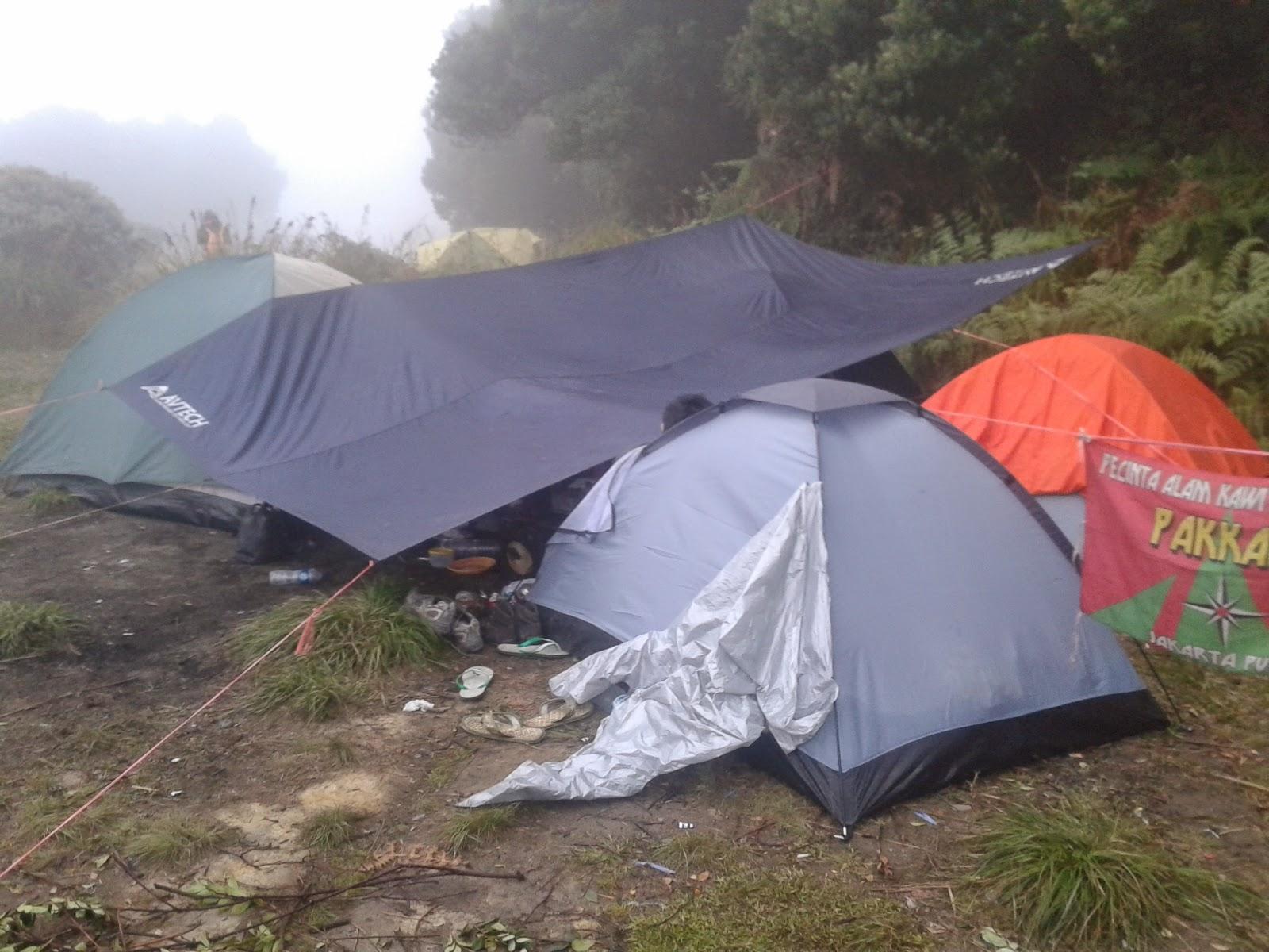 Tenda kita di pondok seladah Papandayan