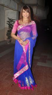 Bipasha-Basu-transparent-saree