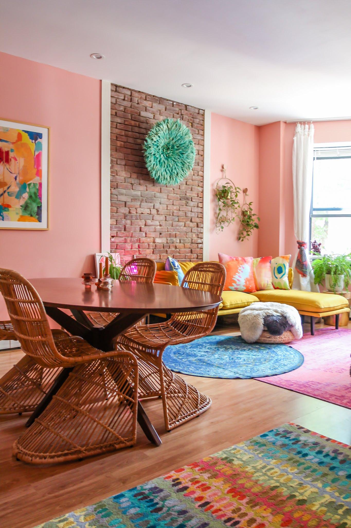 wallpaper ideas // colorful homes // maximalist home decor // pink home decor // retro home decor // retro wallpaper ideas // entryway decor // entryway ideas // small space decor ideas // maximalist homes // yellow sofa // pink walls