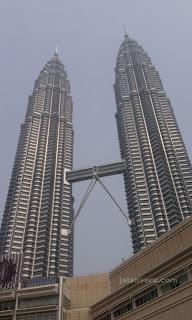 Tempat Wisata Di Malaysia Menara Kembar Petronas
