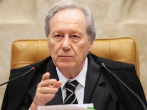 Presidente do STF pede informações a Moro sobre grampos de Lula