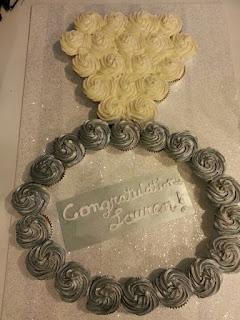 kue cupcake tunangan engagement cincin