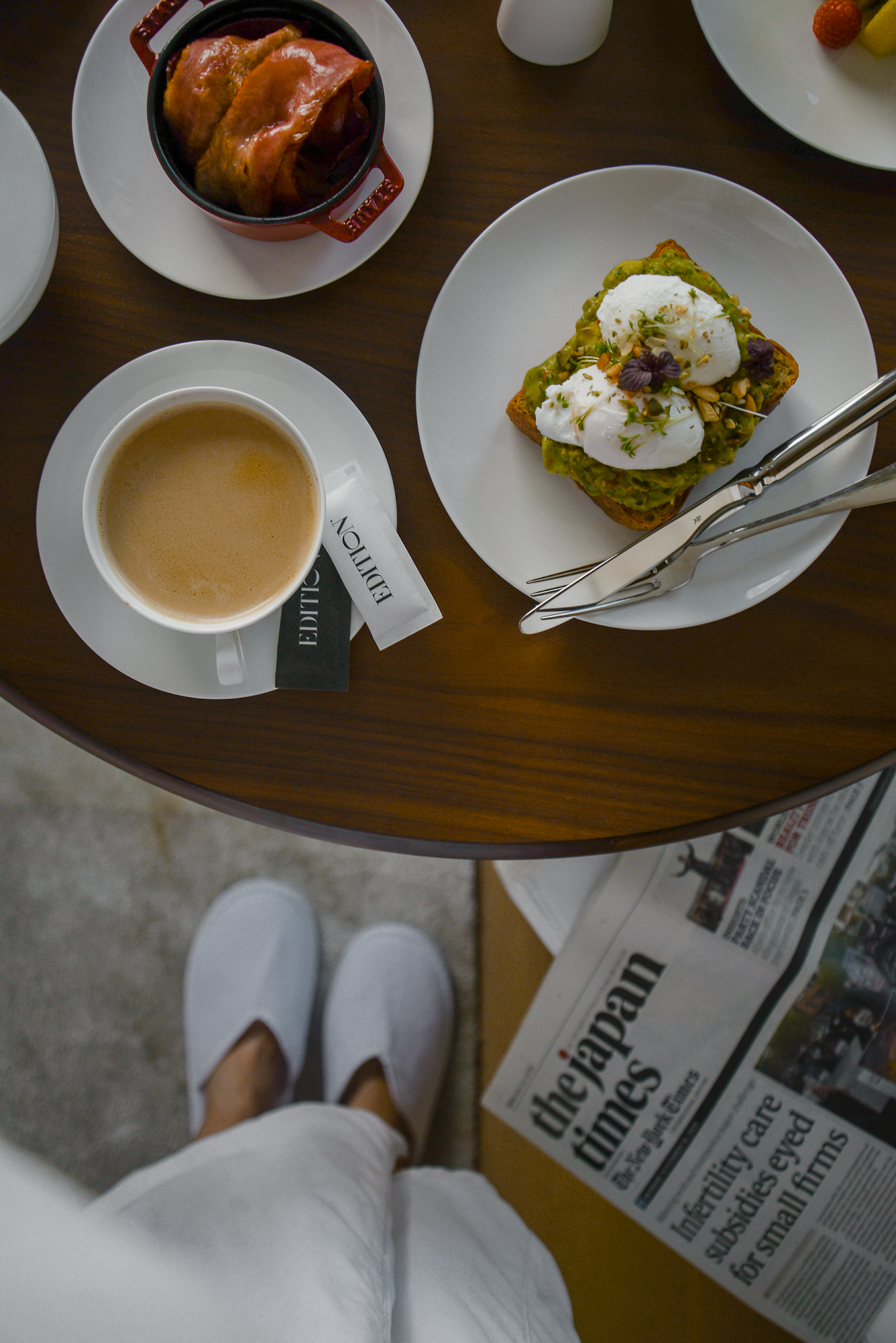 Hotel breakfast, avocado toast, Best new hotel in Tokyo 2020, staycation at the Tokyo Edition Toranomon,  hotel staycation in Tokyo, Japan newest hotels, Tokyo Tower view hotels in Japan, best Tokyo skyline view with Tokyo Tower / FOREVERVANNY Travel and Style by Van Le