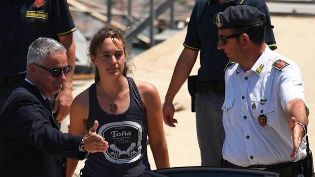Polémica por la posible expulsión de Italia de la capitana que desembarcó a 40 náufragos sin permiso