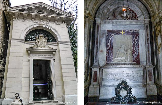 Túmulo de Dante Alighieri em Ravena, Itália