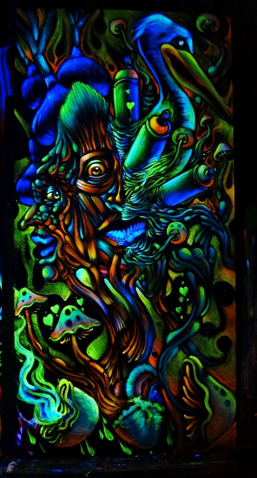 THE BLACK LIGHT KING: Eat mushrooms turn paint into gold.....