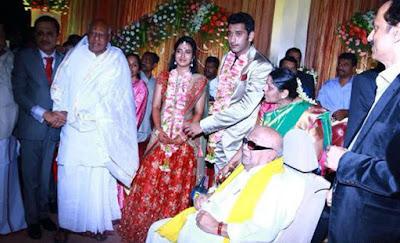karunanidhi-bless-arulnidhi-at-wedding-reception