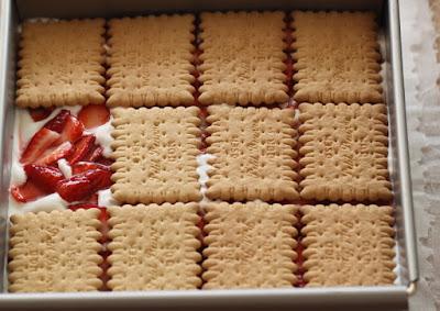 Recette Gâteau aux Petit Beurre et fraises 9