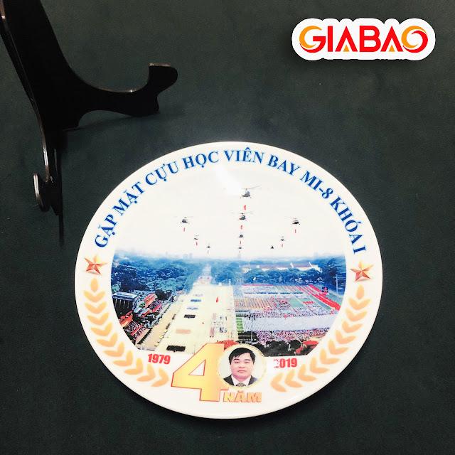 in logo lên đĩa sứ