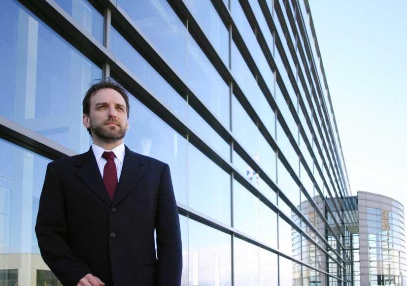 mindset pola pikir pengusaha pebisnis sukses berhasil cara menjadi menaikkan omset pendapatan penghasilan tips trik strategi peluang karir