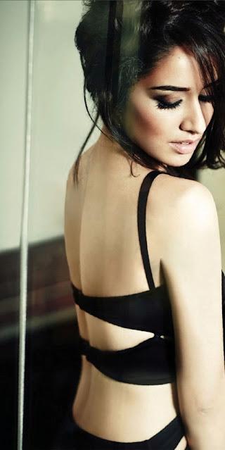 Bollywood Actress Shraddha Kapoor Filmfare Magazine Pics Navel Queens