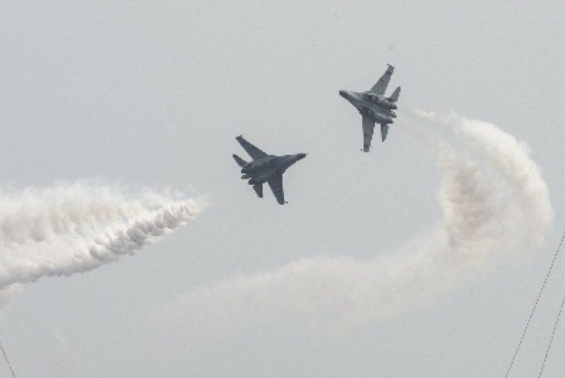Sukhoi TNI AU Menggelegar di Langit Papua