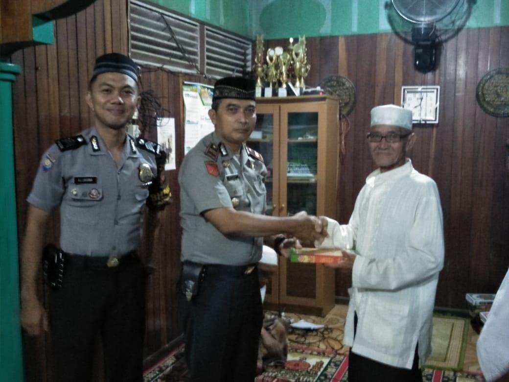 Safari Ramadhan Polsek Sekadau Hilir di Surau Baiturrahman Desa Sungai Ringin
