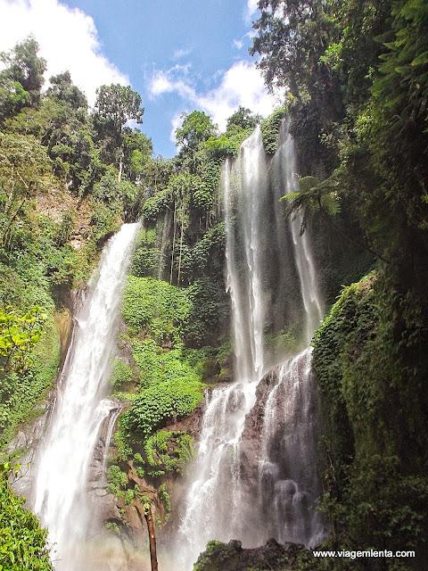 Cachoeiras em Terjun Gitgit