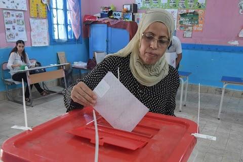 Előre hozott elnökválasztást tartanak Tunéziában