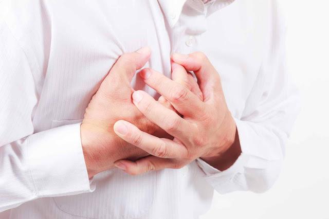 Gejala penyakit jantung? Penyebab Timbulnya Nyeri Dada Sebelah Kanan