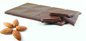 سناك اللوز و الشوكولاته الداكنة