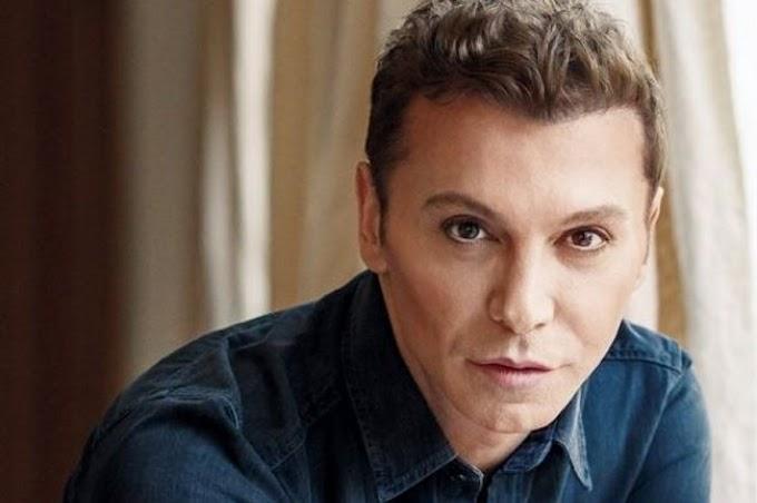 Τάκης Ζαχαράτος για «Y.F.S.F»: «Θέλω να πηγαίνουν με χαρά για το μεροκάματο, όχι με βαρεμάρα»
