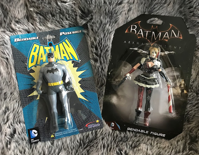 batman and Harley Quinn bendable figures