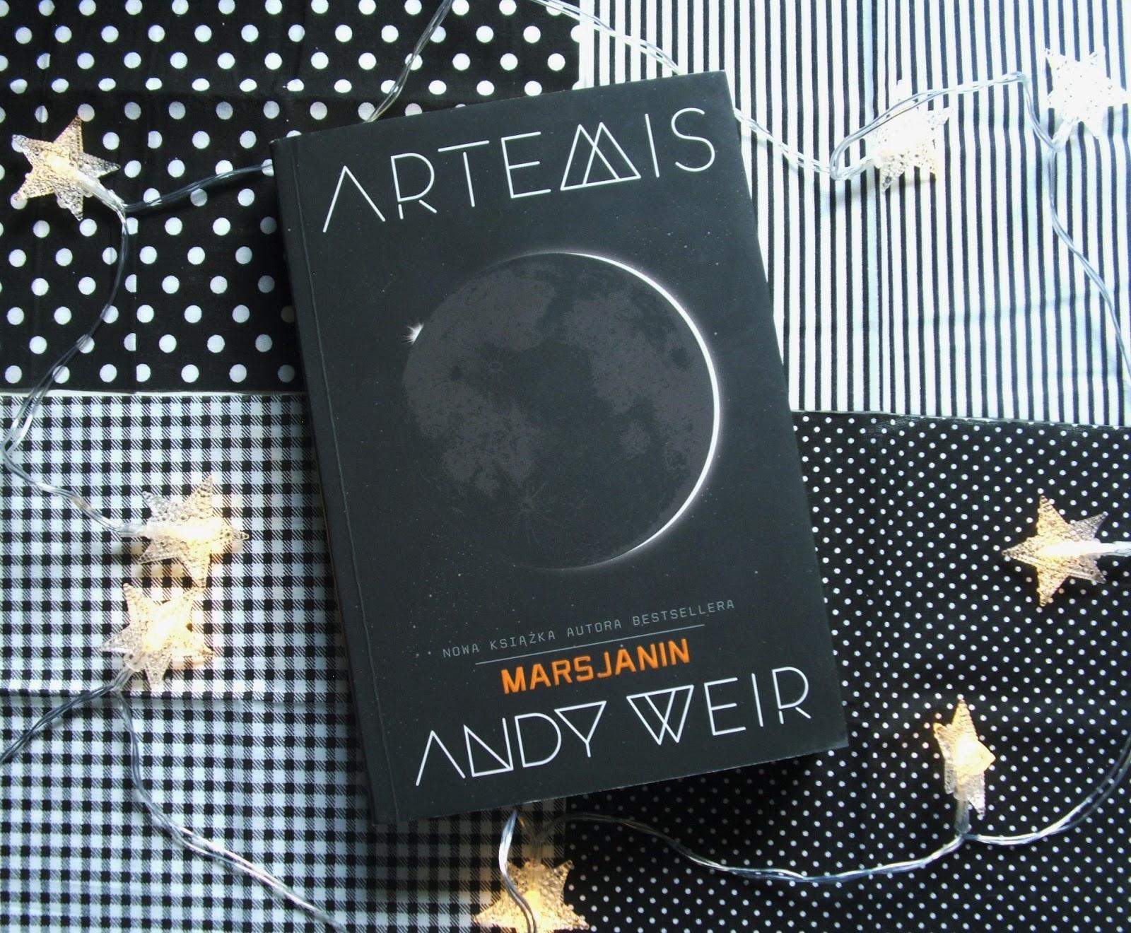 """Zabieram Was na księżyc, czyli Andy Weir i """"Artemis"""""""