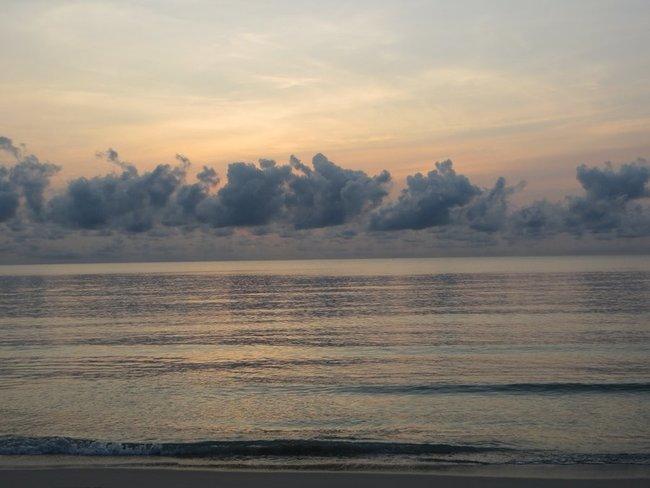 Рассвет море
