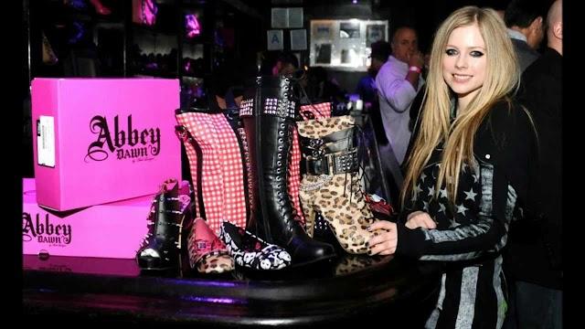 ¿Avril Lavigne regresa con nueva colección de ropa este 2020?