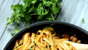 One Pot Spicy Thai Noodles #Dinner #Easyrecipe