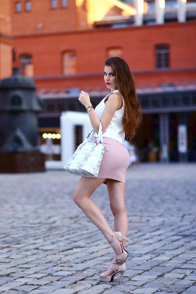Ariadna Majewska  White%2Bcrop%2Btop%2Bpink%2Bpencil%2Bskirt