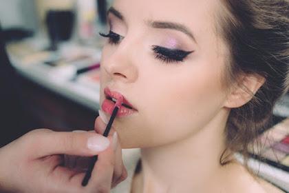 Tips Untuk Make Up Natural Agar Wajah Terlihat Cantik Menawan