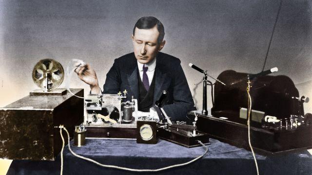 Barang Elektronik Pertama Dunia