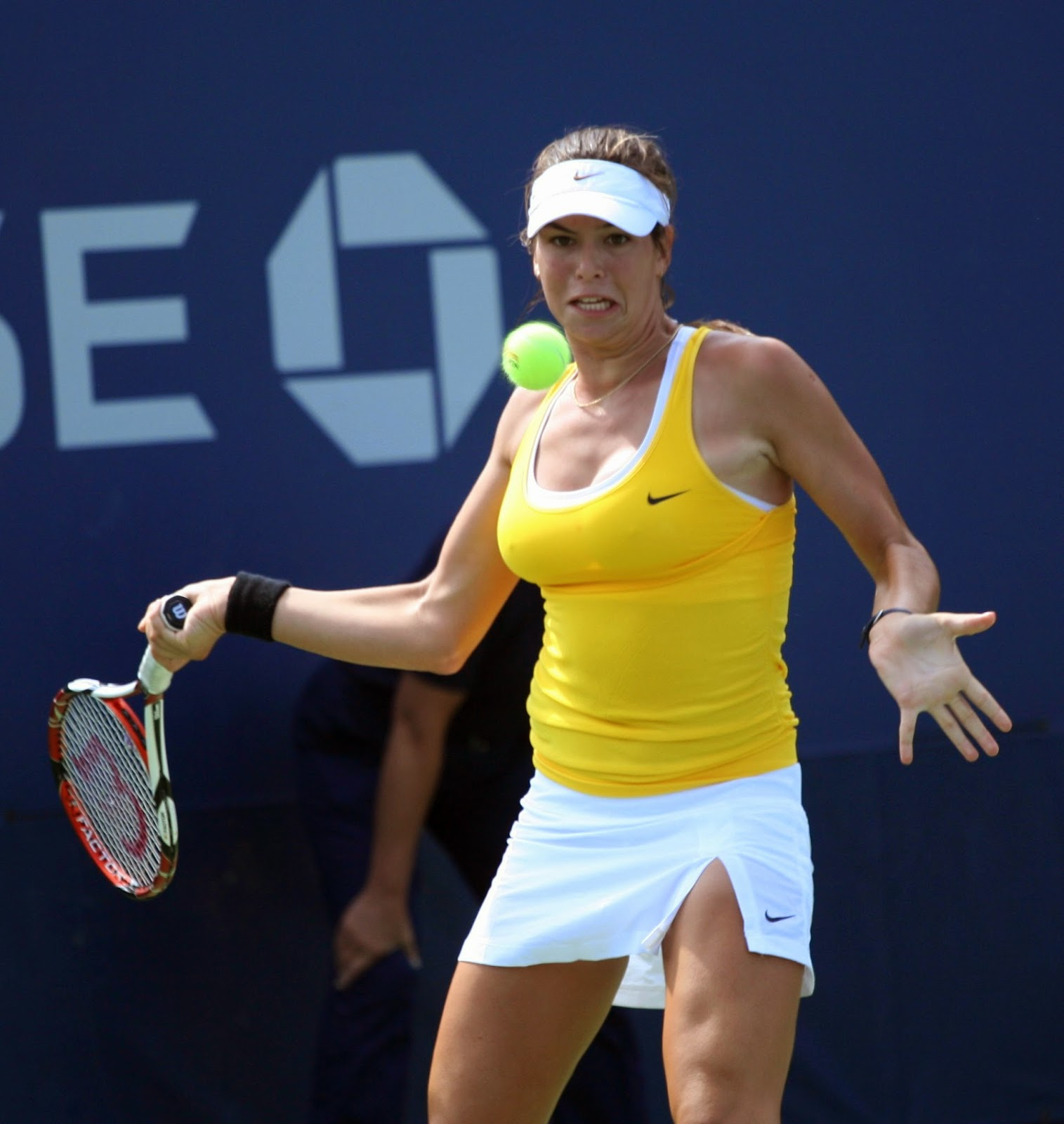 ajla tomljanovic - photo #17