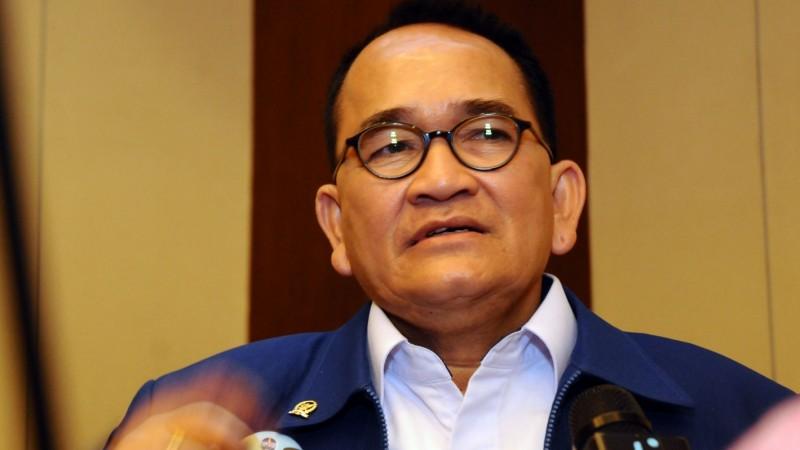 Ruhut Sitompul yang dinonaktifkan SBY