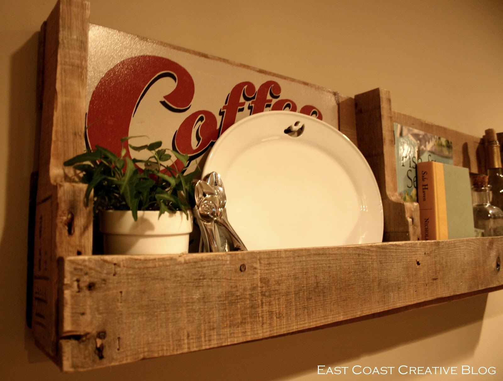 Pallet Love - Guest Post by East Coast Creative - Pretty Handy Girl