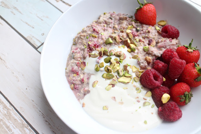 Summer overnight oats breakfast recipe