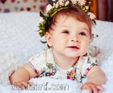 Bayi Perempuan Lucu