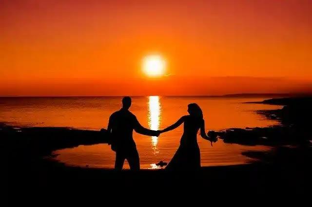 جزر المالديف لقضاء  لشهر عسل