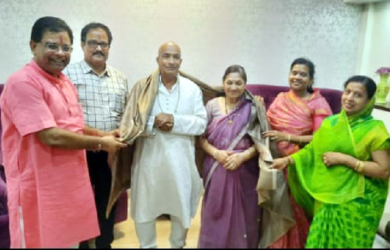 Jhabua News- अखिल भारतीय नाहर (जैन) महासंघ के राष्ट्रीय कार्यकारिणी सदस्य एवं पूर्व अध्यक्ष बाबुलाल नाहर का आनलाईन अमृत महोत्सव मनाया गया