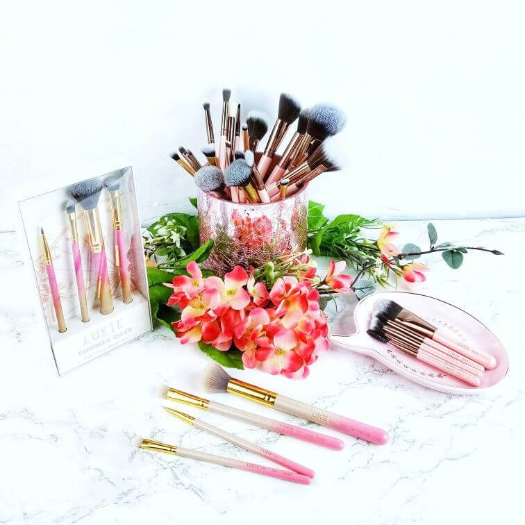 New Luxie Beauty Makeup Brushes for Home and Travel | And a Giveaway! 1