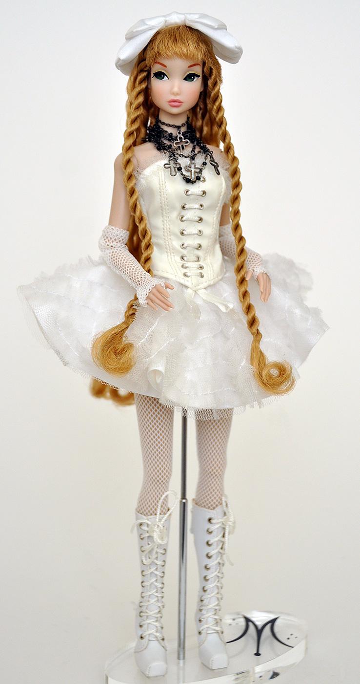 "No Head FR White Skin Tone Body Only 12/"" Integrity Toys Victoire Roux Body"