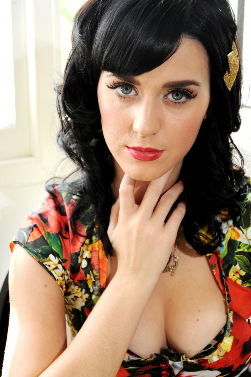 Katy Perry Pictures: Katy Perry Sweet Music Body