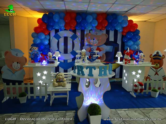 Decoração de mesa temática decorada com Ursinho Marinheiro para festa de aniversário infantil