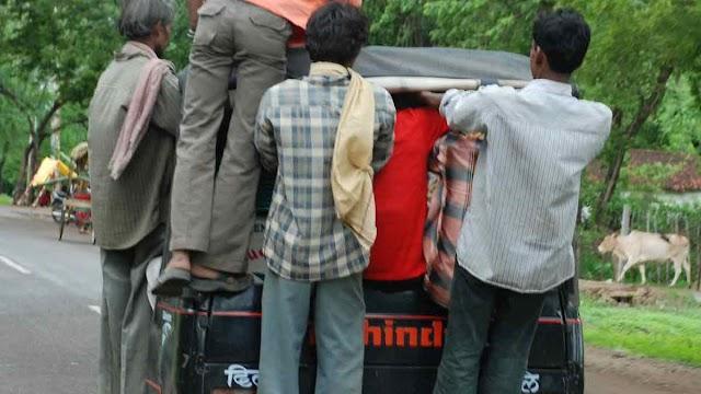शिवपुरी में सक्रिय थी यूपी की गैंग: फ्री मे यात्रा का लालच देकर करती थी लूट, तीन पकडे - Shivpuri News