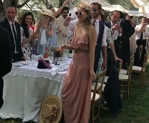 Beatrice Borromeo wore Luisa Beccaria Dress from Spring-Summer 2017. Lucilla Bonaccorsi and Filippo Richeri Vivaldi Pasqua wedding