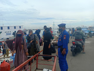 Awasi Prokes, Polres Pelabuhan Makassar terus tingkatkan Patroli dan memberikan Imbauan
