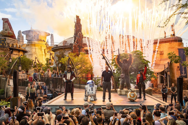 Star Wars Galaxy's Edge estréia emocionante no Walt Disney World Resort