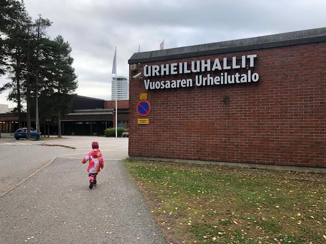 5 x testissä Helsingin uimahallit lapsen kanssa