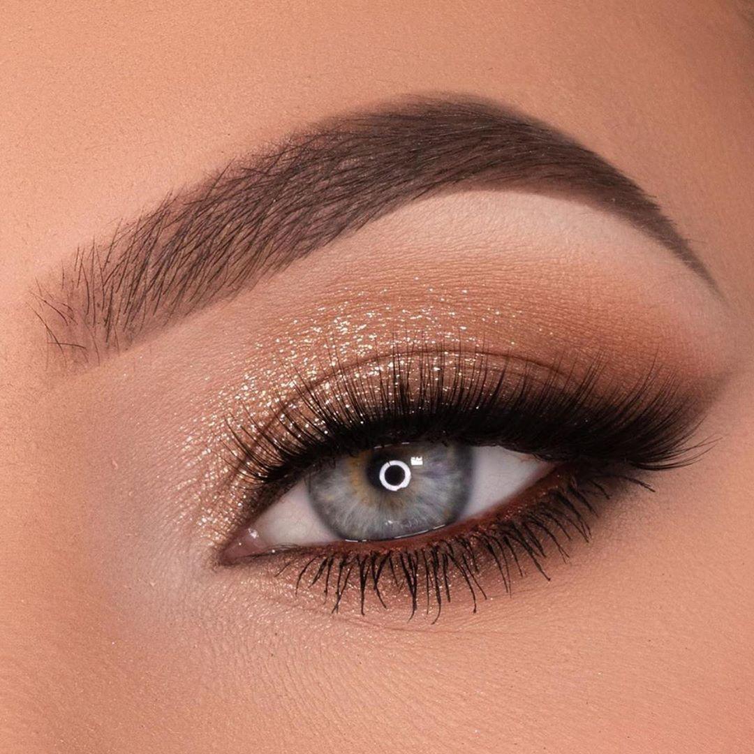 Sombra com glitter dourado maquiagem - LacreMania