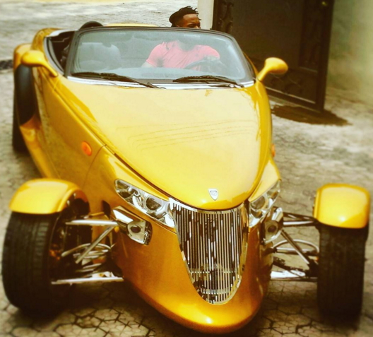 flavour nabania yellow antique car