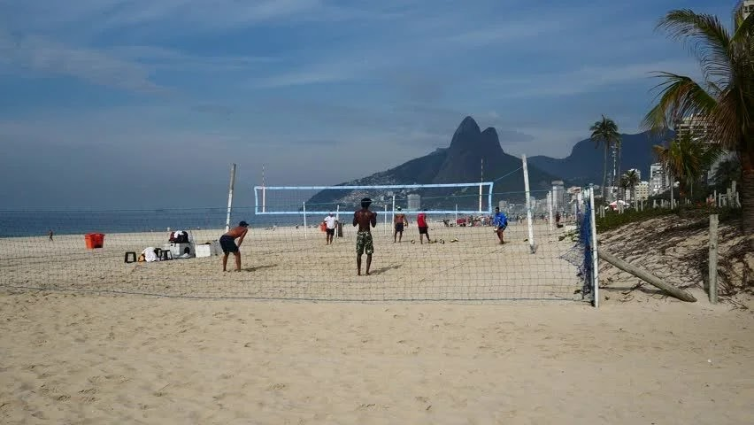 Волейбол на пляже Ипанема