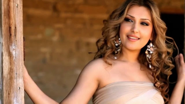 Mozhdah Jamalzadah is the top sexiest woman in afganistan